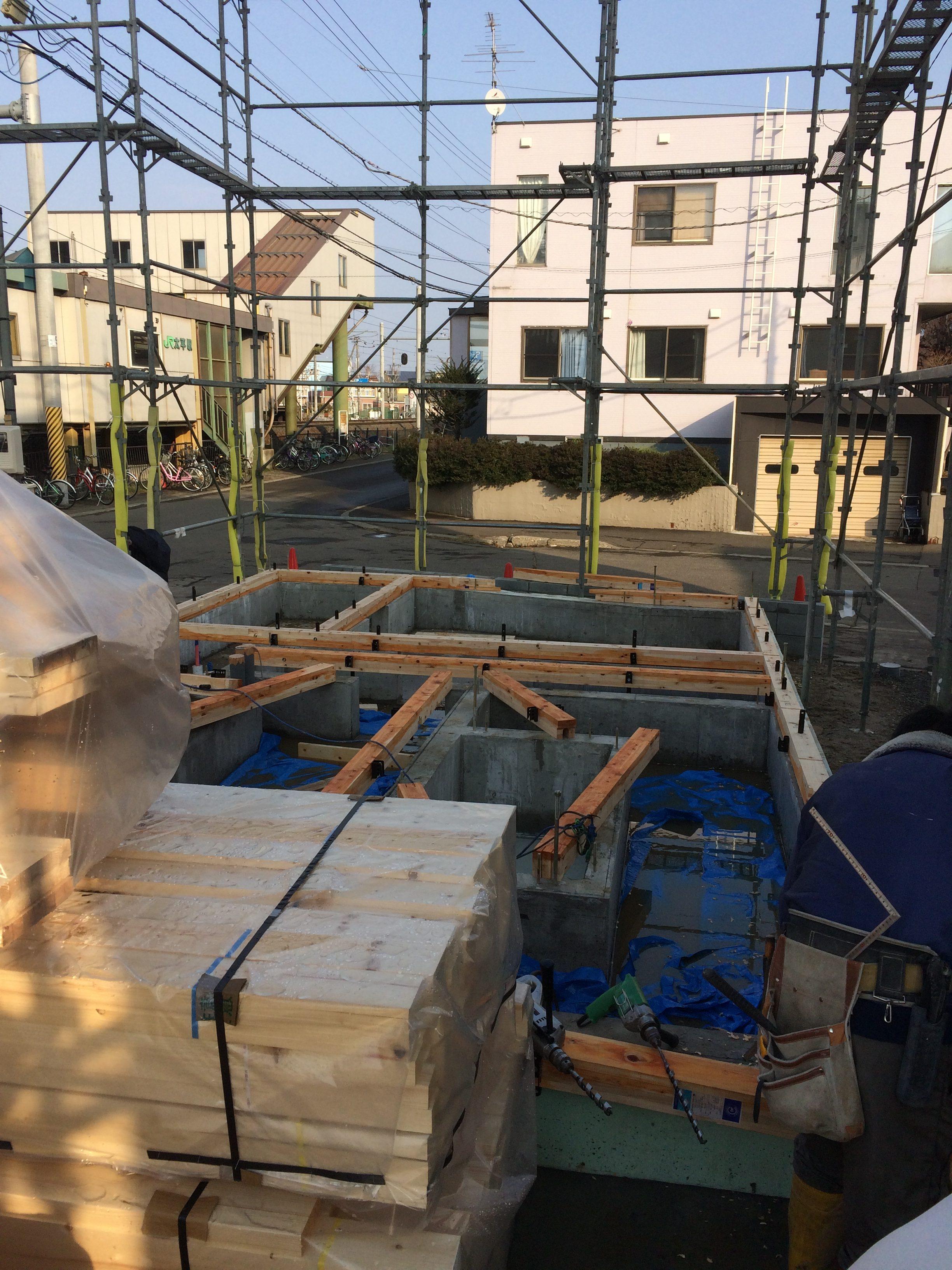 太平 木造3階建工事 ④墨出し・土台敷き