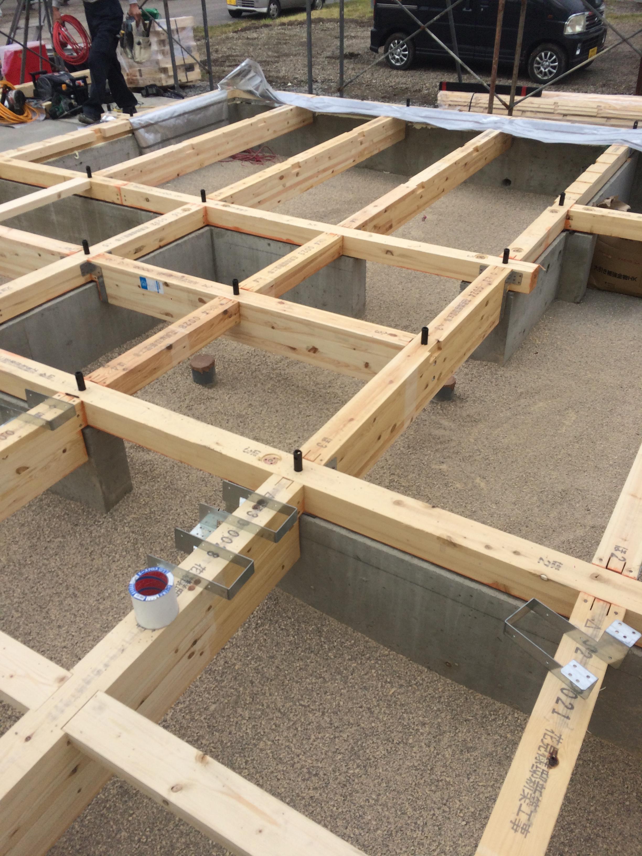 H様邸新築工事 ⑤土台敷・珪藻土敷き込み