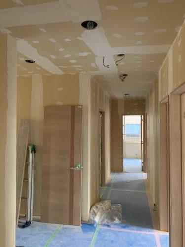発寒 グループホーム改修工事 ⑦クロスパテ処理・貼り付け 各種設備取り付け